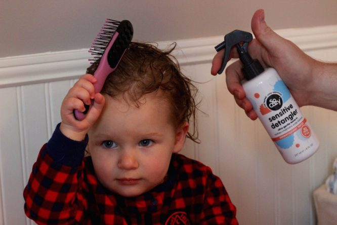 SoCozy Sensitive Skin Detangler and Leave-in Conditioner for Styling Curly Hair | Redheadbabymama.com