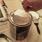 Get paint from the can WITHOUT making a mess