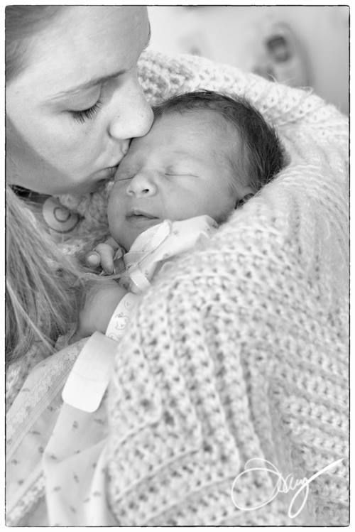 10 ways to help a new mother with her #baby! Don't just bring a casserole - REALLY help her!
