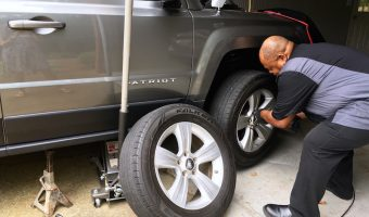 Escape the car car service waiting room and get a mobile mechanic with YourMechanic.