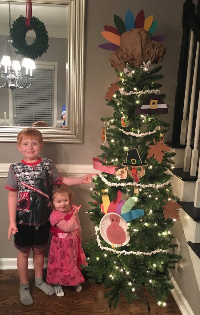 Turkey Tree Topper for a Thanksgiving Tree | Redheadbabymama.com
