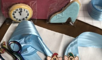 cinderella-fabric-mice-hairclips-cookies